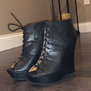 NWT Black Lace-up Wedge Booties